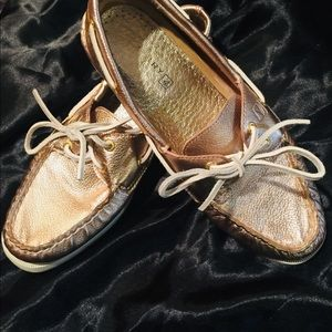 Sperry Boat Shoes/Rose Gold